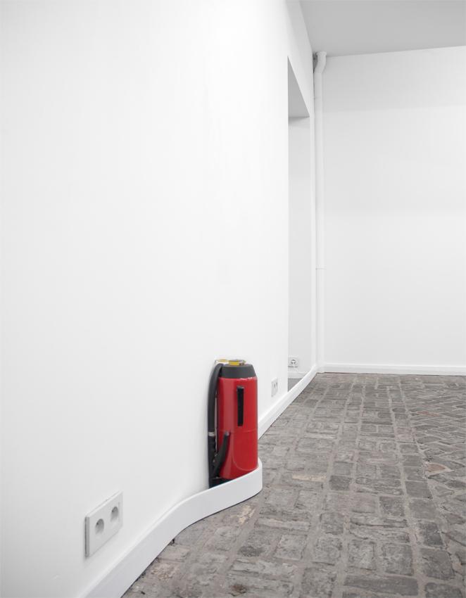 roeland tweelinckx extinguisher and skirting